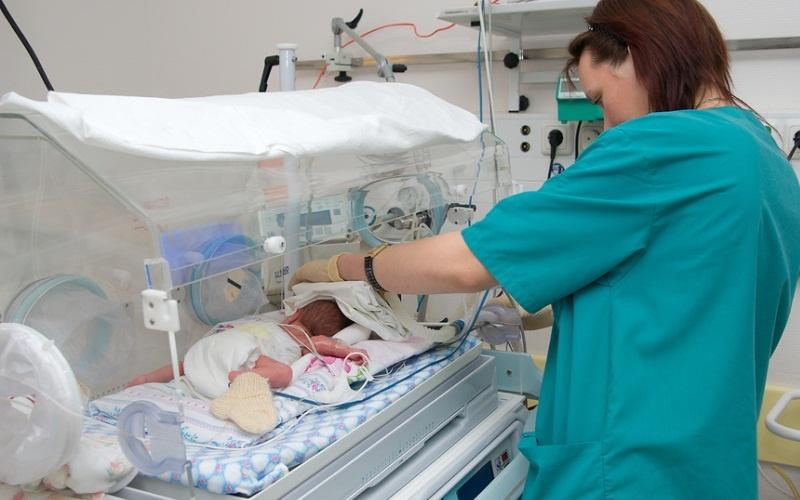 История создания инкубатора для новорожденных детей